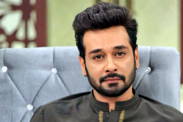 Well known actor Faisal Qureshi also fell victim to Corona