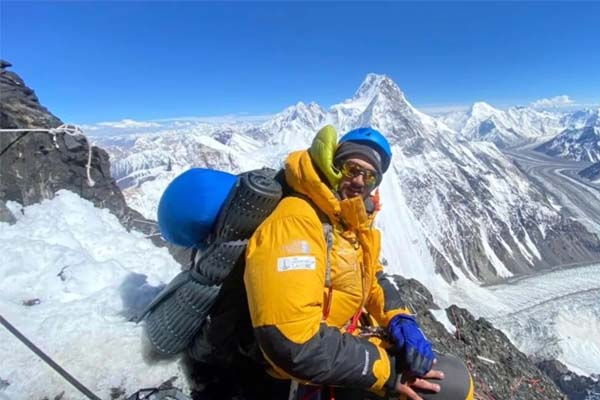 """I want to climb the 14 highest mountains in the world, """"said Shahrooz Kashif"""